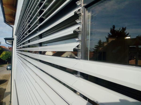 kültéri fix lamellás árnyékoló