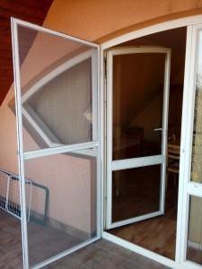 szúnyogháló ajtó egyedi méretben